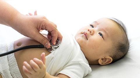 Bicarakan dengan dokter Anda tentang masalah pencernaan bayi Anda