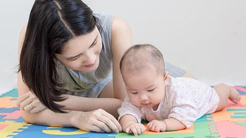 Memahami Perkembangan Otak Si Kecil Dari Lahir sampai Usia 3 Bulan