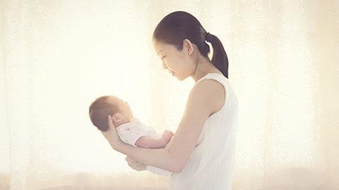 Penyebab dan Cara Mengatasi Gumoh pada Bayi