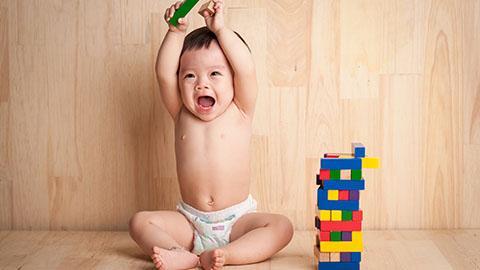 Stimulasi si kecil usia 7-9 bulan