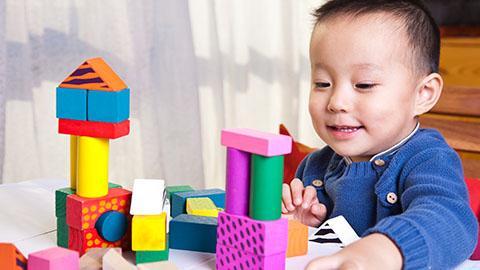 Stimulasi  si kecil Usia 10-12 bulan