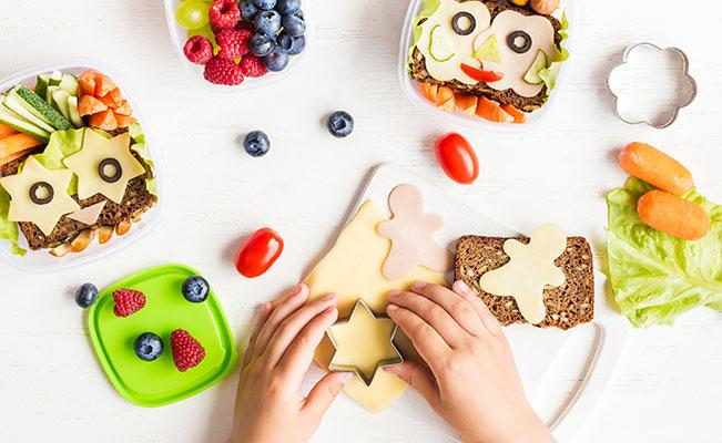 Agar Si Kecil Mau Mencoba Berbagai Makanan