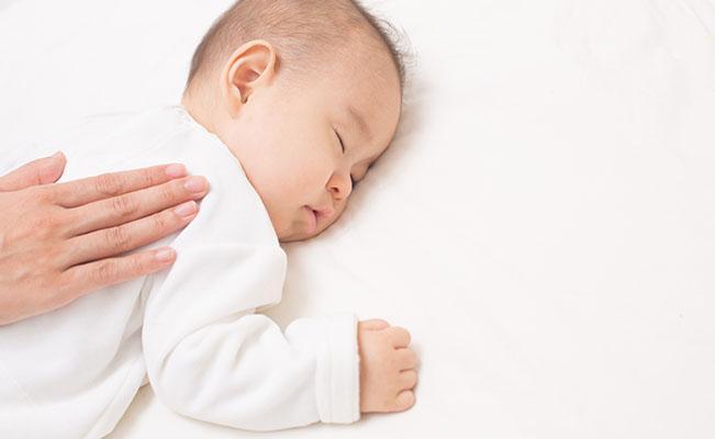Apa yang Harus Dilakukan untuk Menangani Konstipasi pada Bayi