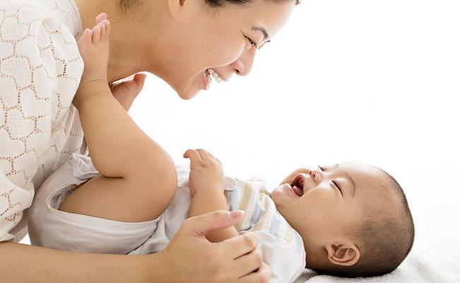 Apakah Susu Formula Merupakan Penyebab Sembelit Bayi