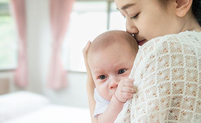 Bayi Muntah Setelah Minum ASI Ketahui Gejala Bayi Gumoh di Sin