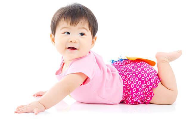 Mengapa Si Kecil Mulai Berguling Menelungkup Saja
