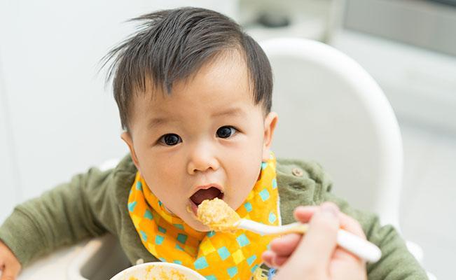 Mengetahui Saat Lapar dan Kenyang Si Kecil Usia 6 bulan