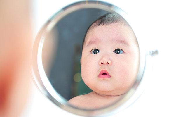 Stimulasi  si kecil Usia 4-6 bulan