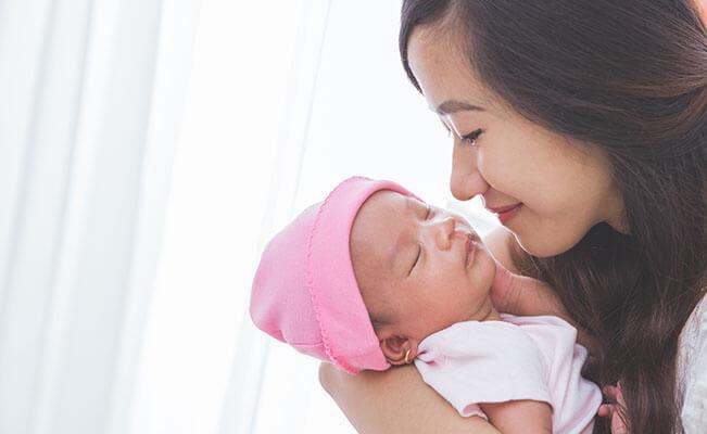 Stimulasi untuk Mendukung Perkembangan Si Kecil Di Masa Awal Kelahiran