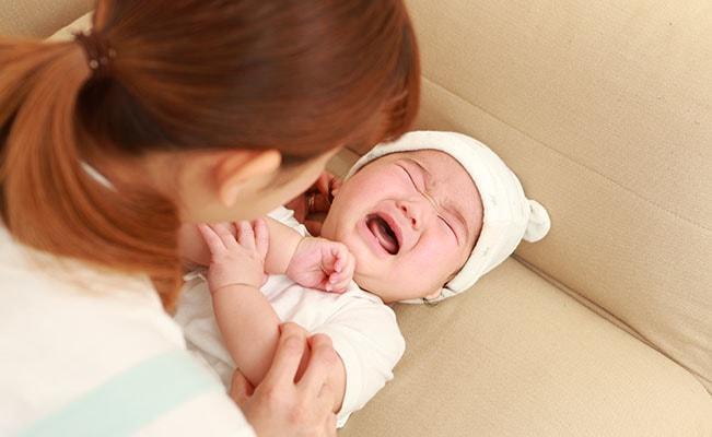 Tips Menangkan Bayi Menangis