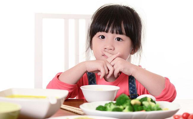 Tips Menghadapi Si Pemilih Makanan